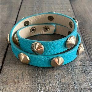 Jewelry - Turquoise gold studded wraparound bracelet ✨